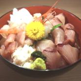 「釣屋魚問屋」氷見ぶり海鮮丼