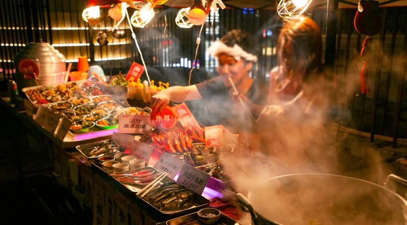 台湾夜市 肉ビアガーデン