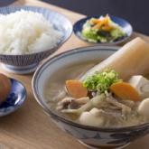 天然出汁と煮込み大根野菜の豚汁定食