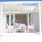 「URBAN CAMP HOTEL Marble Beach」のテラス