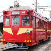 筑鉄電車「赤電」カラーリングの阪堺電車モ161形車