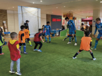 F.C.大阪の選手と一緒にプレー
